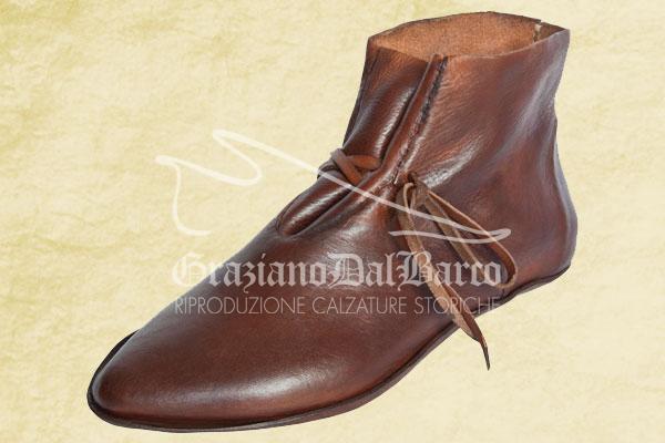 Bata Museum replica 15th century shoes for reenactor